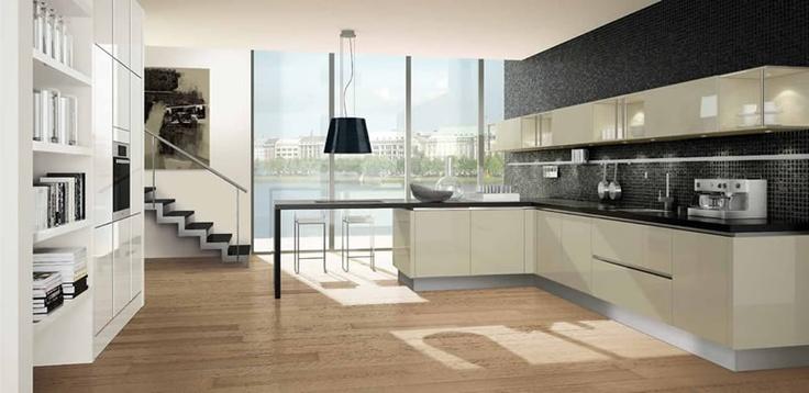 High gloss lacquer modern kitchen | Cocina moderna en laca alto brillo