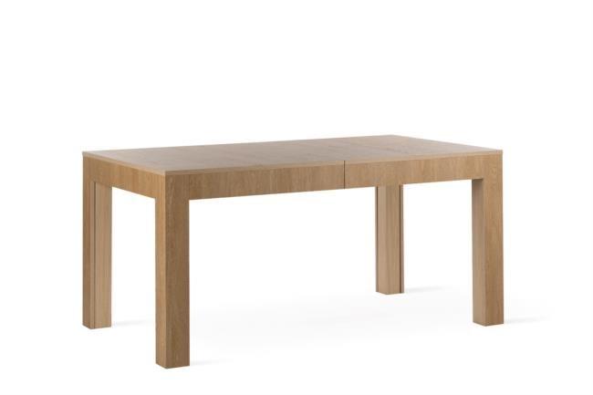 Tavolo in legno allungabile fino a quattro metri