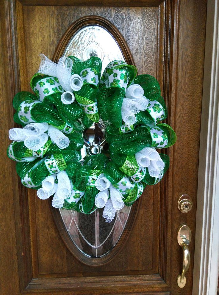 st patrick 39 s day deco mesh wreath i made 02 21 16 deco mesh burlap wreaths pinterest. Black Bedroom Furniture Sets. Home Design Ideas