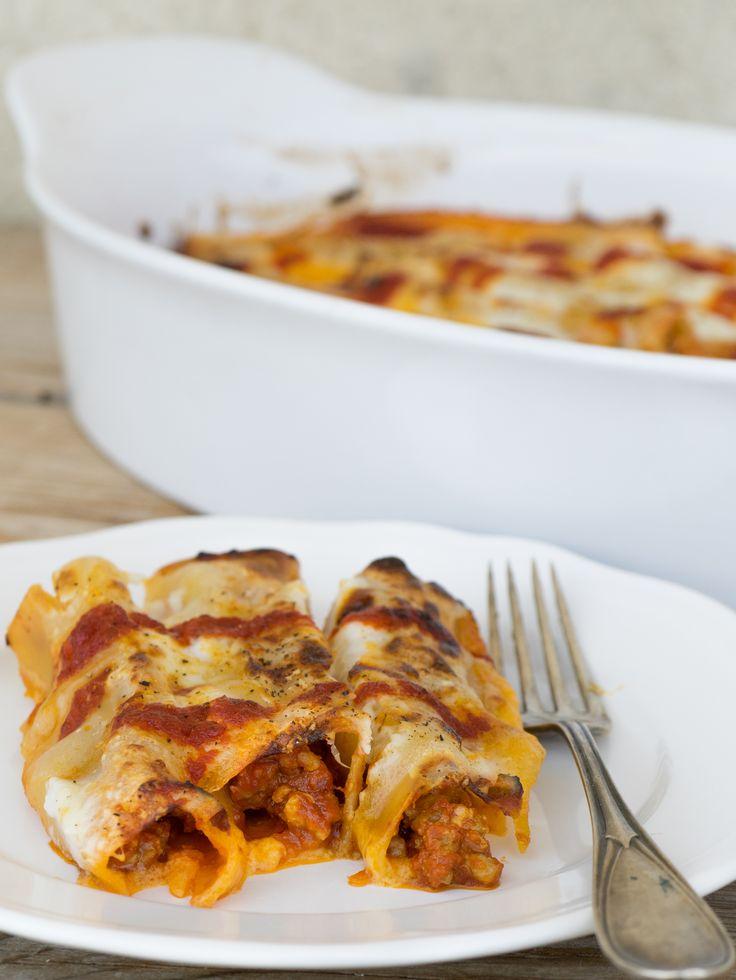 Cannelloni al ragù con besciamella