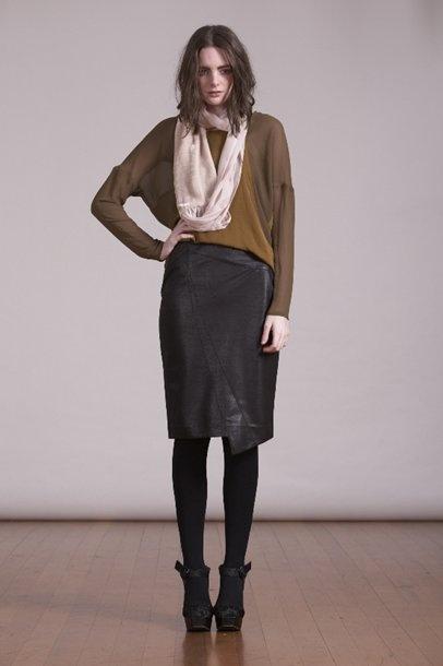 Kingan-Jones Tails tee with a Karolina Skirt