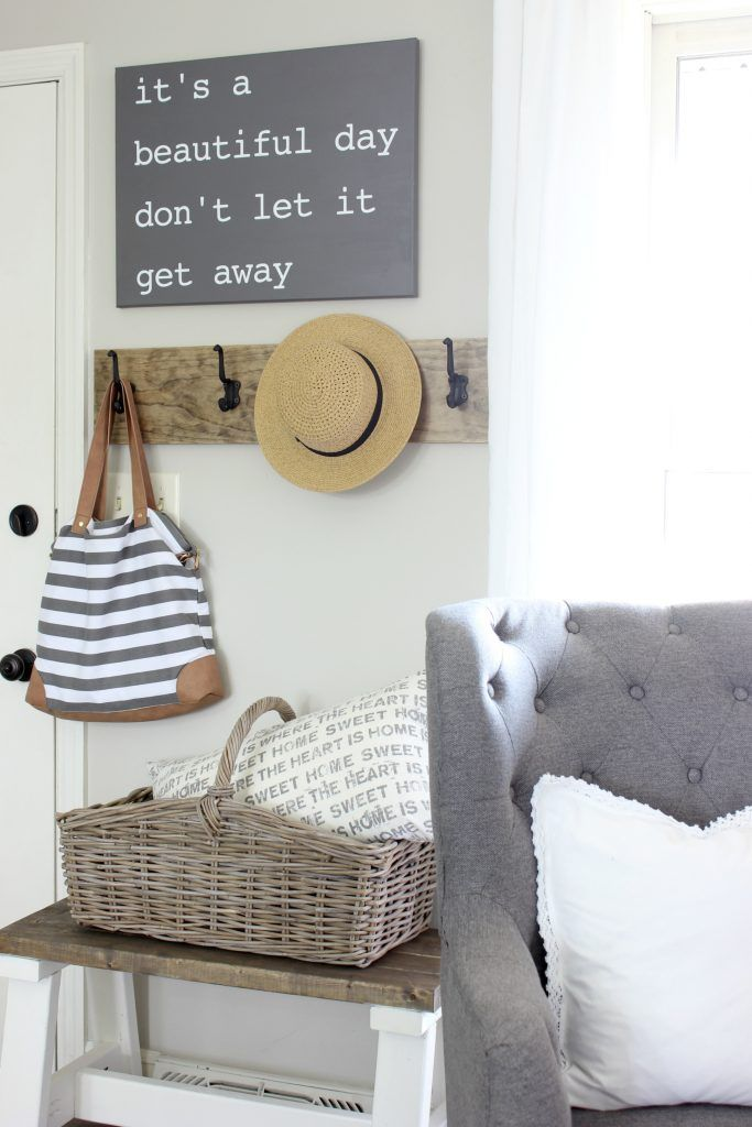 25+ Real Life Mudroom And Entryway Decorating Ideas