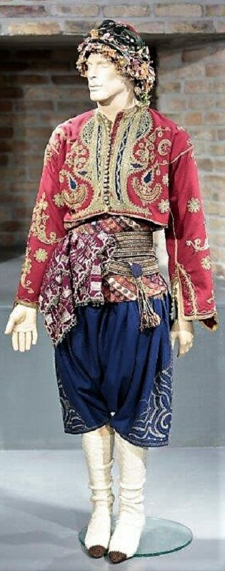 A traditional bridegroom's costume, from the Bodrum area (in the western part of the Muğla province). Late-Ottoman style, ca. 1920.