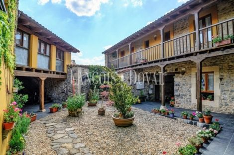 La Losilla. Valle de Boñar. Casa rural hotel con encanto en venta. León.