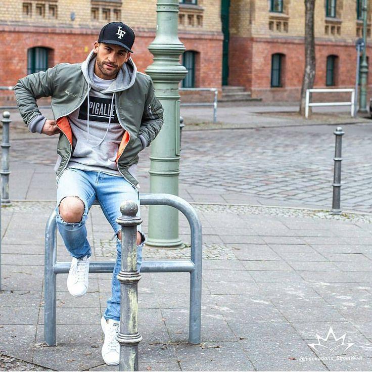 Street Style. Find your Inspiration @ #DapperNDame Pinterest. dapperanddame.com