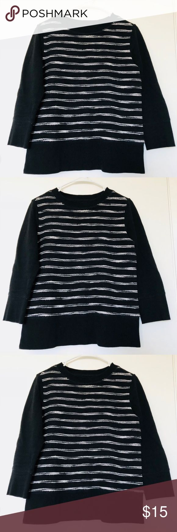 Lou & Grey Black and White Sweatshirt Top Sz S Lou And Grey Loft Women's  Small Sweatshirt Striped Black and White 100% Cotton 3/4 sleeves   Approximate measurements Pit to pit: 18.5 inches Sleeve length: 18.5 inches Length:22.5 inches Lou & Grey Tops Sweatshirts & Hoodies