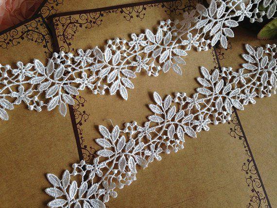 "White Lace Trim 2.75/""//7 cm approx QUANTITY 1 = 1 YARD Dress Ribbon Applique DIY"
