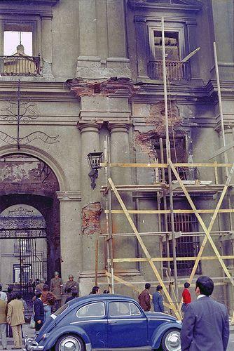 Palacio de La Moneda después del bombardeo del 11 de Septiembre de 1973. Santiago, Chile