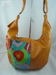 Nagyméretű, csónak alakú, puha, olasz műbőr női táska, kézzel festett mintával!