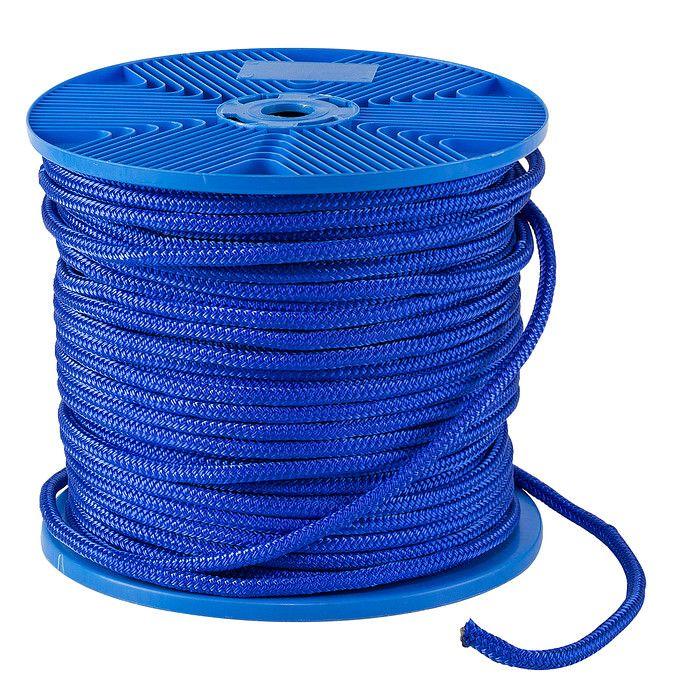 Веревка двойного плетения d8мм, L125м, синий,KOT  Материал:                                      Полиэстер                                 Макс. нагрузка на разрыв:                                      1050 кг                                 Макс. возможная длина:                                      125 м                                 Диаметр веревки:                                      8 мм