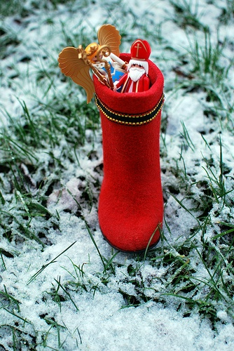 Am 6. Dezember ist Nikolaustag. Wenn die Kinder brav waren, können sie sich über kleine Geschenke wie Äpfel,Nüsse und Schokolade vom Nikolaus freuen. Mehr Informationen zum Nikolaustag und Weihnachten finden sie auf unserem Blog: http://www.jewels24-news.de/category/weihnachten-valentin-muttertag-geburtstag/weihnachten-xmas/. #nikolaus #weihnachten
