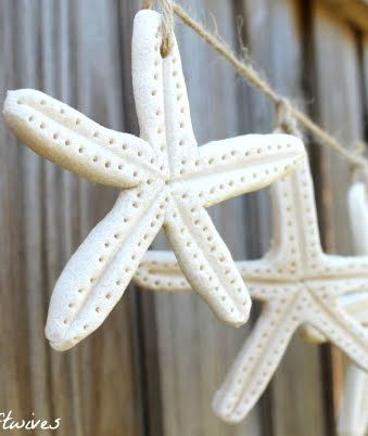 DIY Starfish Xmas Ornaments: Only few ingredients are needed. 2 cups all-purpose flour, 1 cup salt and cold water -plus your imagination. {* 2 cups all-purpose flour  * 1 cup salt  * cold water}