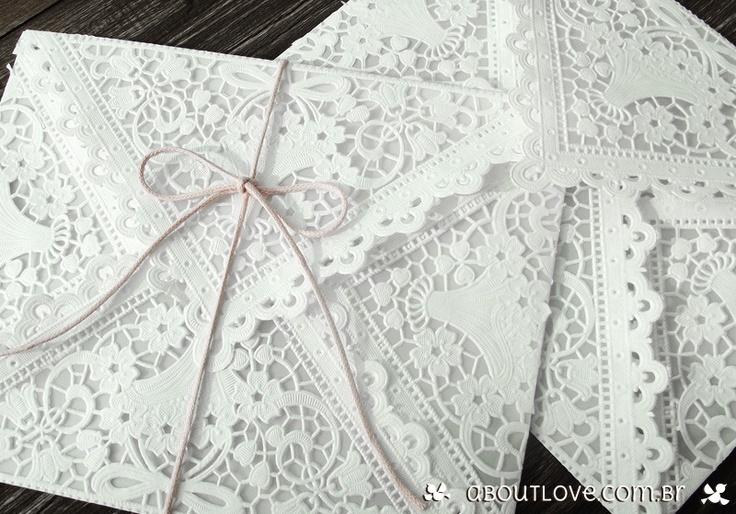 Convite-de-casamento-com-envelope-de-papel-rendado-7