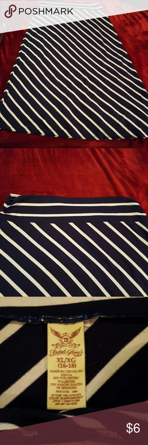 Faded Glory plus sz 16/18 navy & white maxi skirt This is a cute maxi skirt from Faded Glory. It is navy and white and is a size 16/18 it has been worn so there is some slight pilling starting. It is polyester and rayon Faded Glory Skirts Maxi