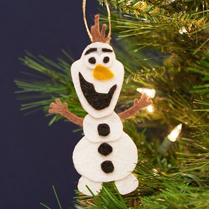 Here's a fun craft make your own Olaf ornament! Free template & instructions.