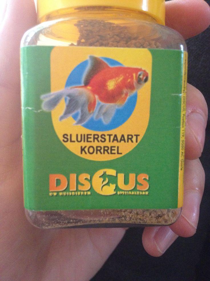 C in het merk Discus: dierenvoeding, hoofdletter, bold, breed, horizontaal
