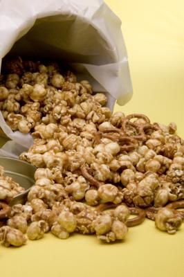 Cómo hacer palomitas de maíz acarameladas caseras | eHow en Español