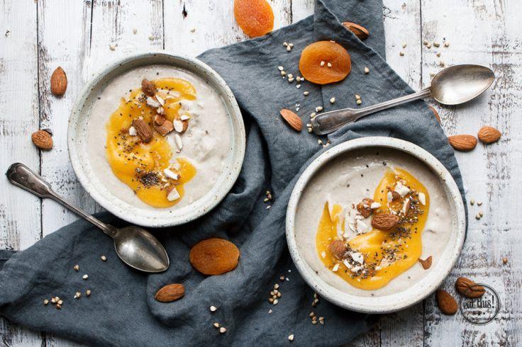 Buchweizen-Porridge mit Kardamom & Aprikosenmus - eat-this.org