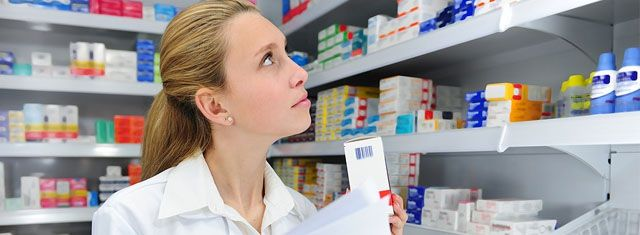 Top Scholarships for Pharmacy School Students