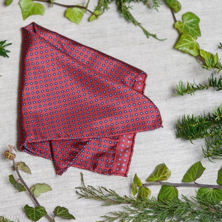 #red #pocketsquare with small #blue #flowers   #naturelovers #silk #valentines   #styleformen #dapperman #mensfashion