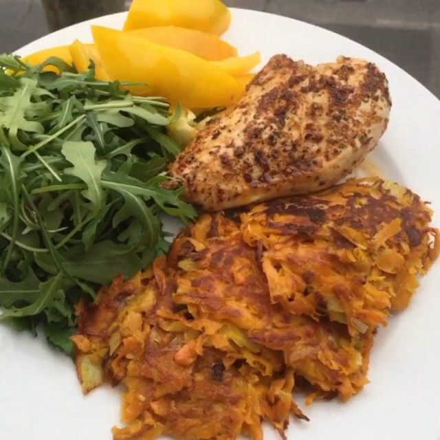 Try these carrot and sweet potato Rostis with peri peri chicken Great post workout refuel meal to get you lean #leanin15 #foodie #foodporn