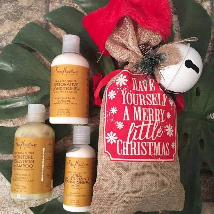 Christmas Gift Giving Idea: $1 Christmas Wine Bags at Dollar Tree http://simplesavingsforatlmoms.net/2017/12/christmas-gift-giving-idea-1-christmas-wine-bags-dollar-tree.html