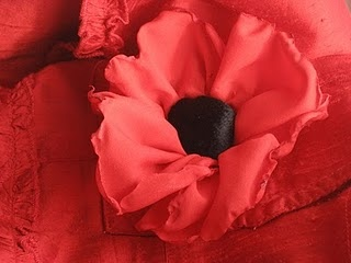 Tutorial for this burnt edge Remembrance Poppy, for Veterans Day or Memorial Day.