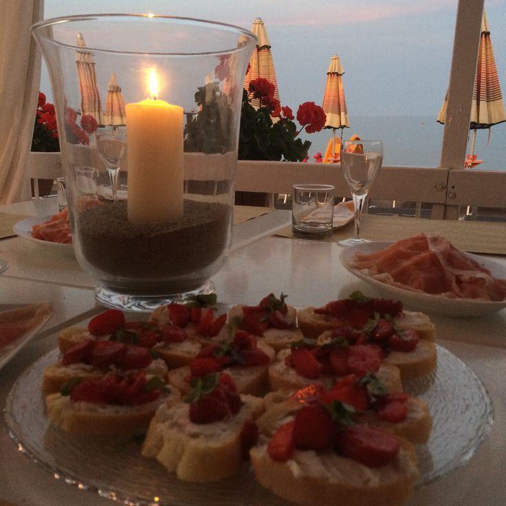 Dinner in The sea.  Bagni Carlotta. Stabilimenti balneari. Liguria.  #bagnicarlotta #liguria #stabilimenti balneari #spiaggeliguri #ceriale