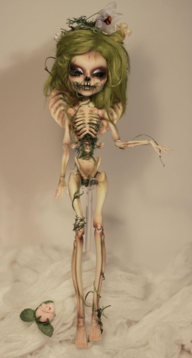 Custom OOAK Monster High Skelita - Commission