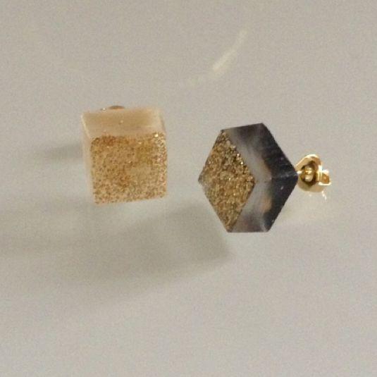 ice cube gd ピアス WH*BK by mirotrick アクセサリー ピアス | ハンドメイド、手作り作品の通販・販売 minne(ミンネ)