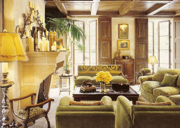 Tuscan style living room....love the use of shutters...bella...
