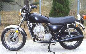 Kawasaki: The 'X99' prototype had a twin-rotor engine, water-cooled, which purportedly developed 85hp. Kawasaki Heavy Industries, Ltd, purchased a license to built Wankels on Oct. 4, 1971; the chassis of the X99 appears to be based on Kawasaki's Z650, introduced in 1976, which suggests the date of this prototype.