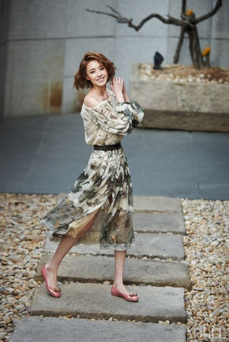 "15 Gorgeous Celebrities Model ""L'icona Ferragamo"" Shoes for Vogue Magazine"