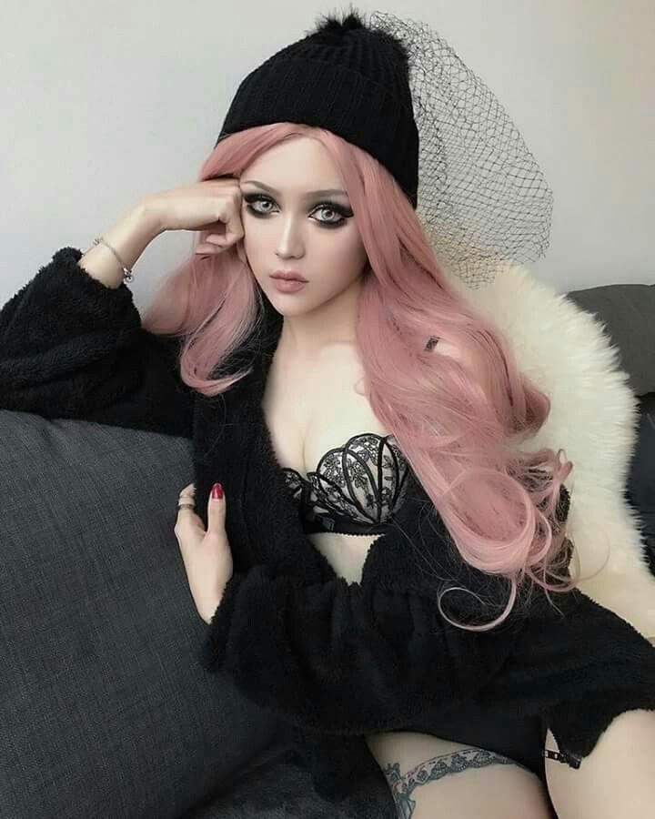 Kina Shen looking hot | Cute Goth | Goth beauty, Goth ...