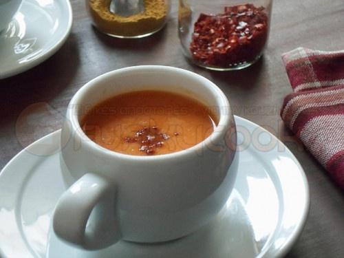 Κολοκυθόσουπα με Γάλα Καρύδας και Τσίλι! (Pumpkin Soup with Coconut Milk and Chili)