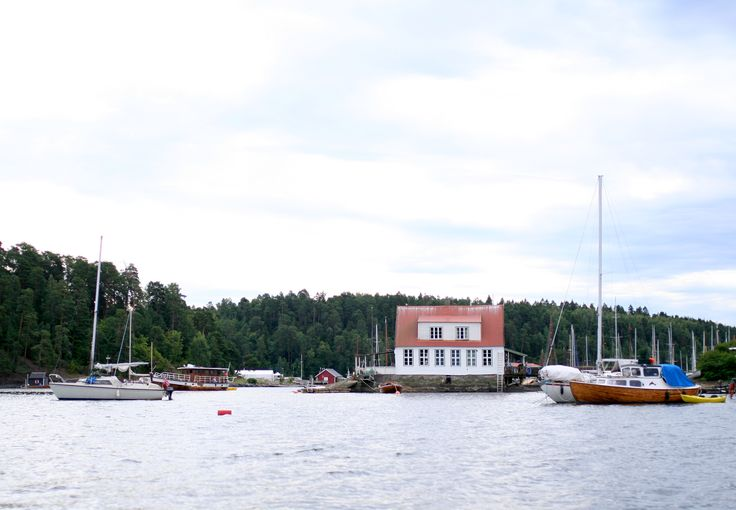 Tall Girl's Fashion // Visiting Oscarsborg Fortress, Drøbak, by boat Oslofjord