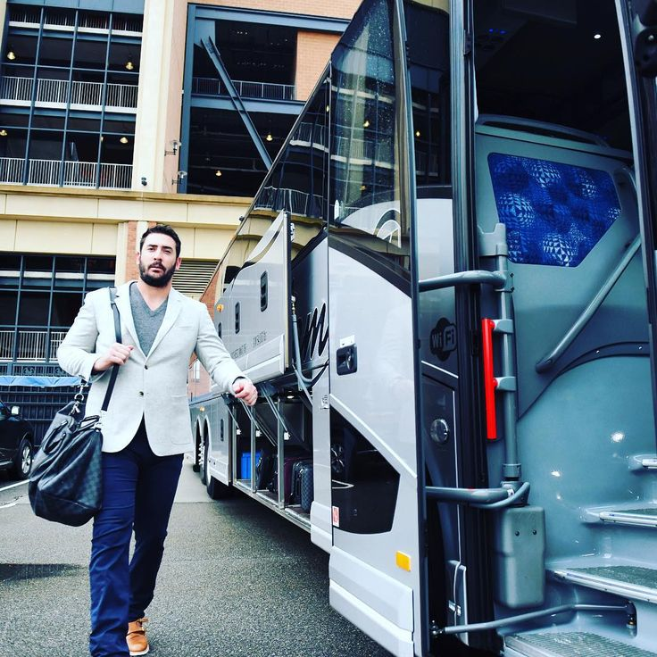 """Your Game 1 starter of the #WorldSeries @mattharvey33 heads to the airport. #Mets #LGM"""