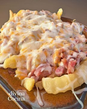 patatas fritas con queso y bacon
