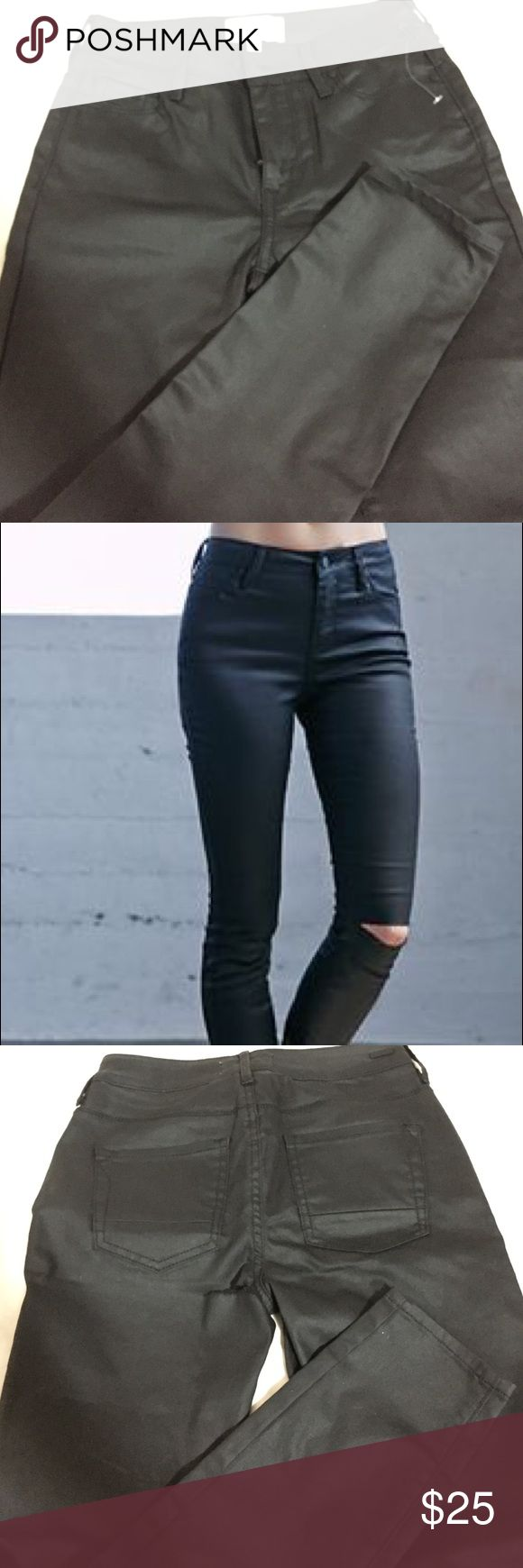 """Kendall Kylie Black Wax Coated Ripped Skinny Jeans High waisted. Knee slits. Wax coated for """"leather-like"""" effect. These are unworn, but has a rip near the back pockets. Kendall & Kylie Jeans Skinny"""