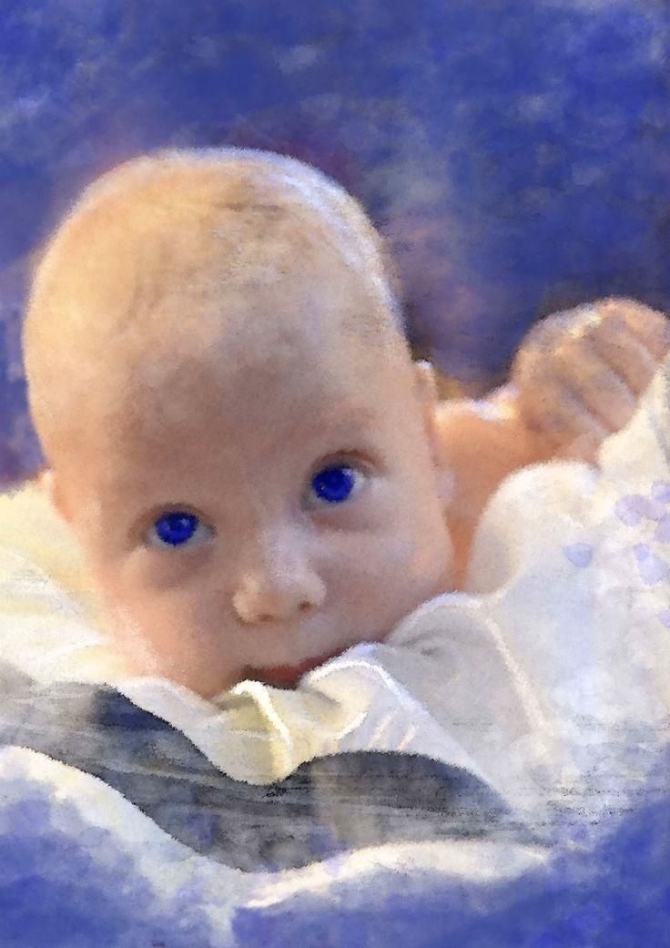 Der nächste Morgen war windig und kalt. Kein Wetter zum Rausgehen. Vor dem Kamin in eine Decke gehüllt, fiel ihr Blick auf das wiedergefundene Märchenbuch. Sie begann zu lesen. Zuerst ganz still für sich, doch als das Baby heftig in ihr zu strampeln begann, erhob sie beruhigend ihre Stimme: »Es war einmal…« Auszug aus: Das rößenwahn Märchenbuch - ISBN 978-3-942223-30-0  www.groessenwahn-verlag.de