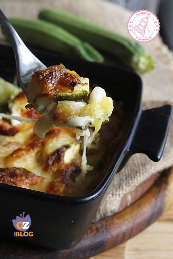 ZUCCHINE E MOZZARELLA GRATINATE AL FORNO http://blog.giallozafferano.it/allacciateilgrembiule/zucchine-e-mozzarella-gratinate-al-forno/