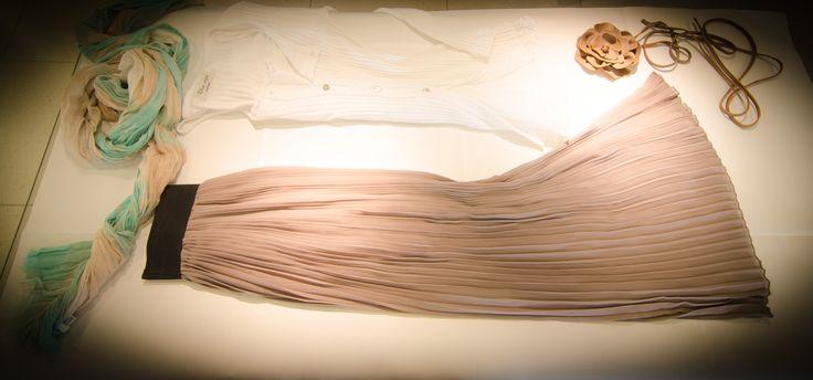 #unique #abbigliamento #belluno #moda #fashion #primavera #estate #donna #women #style #abbinamento #collezione #white #sciarpa #gonna #cintura