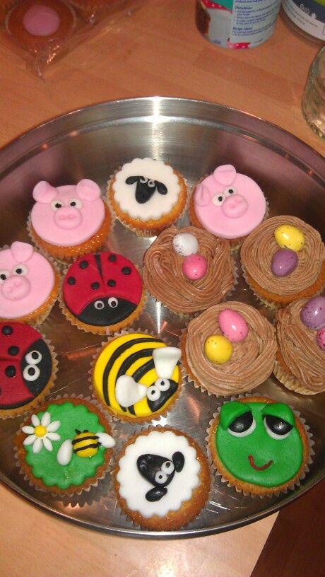 Animal fairy cakes