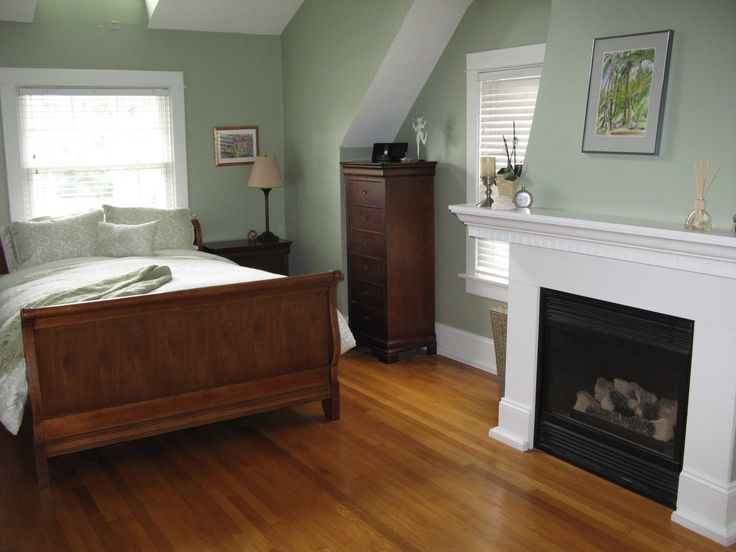 Saybrook Sage - Benjamin Moore    one of the 1st colors i used in my house.