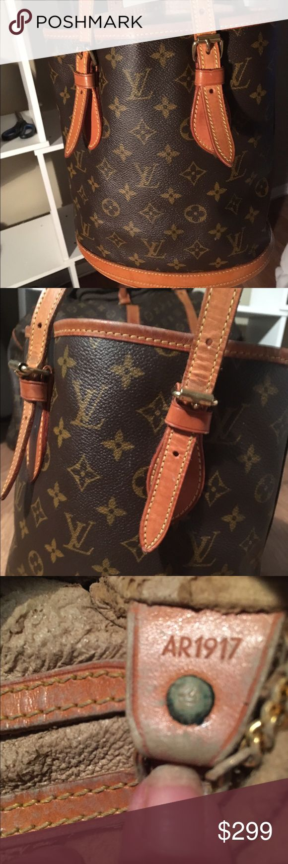 LOUIS VUITTON BUCKET BAG. 💯% AUTHENTICITY GUARANTEED. LOUIS VUITTON BUCKET BAG IS IN EXCELLENT CONDITION OUTSIDE BUT.....THE INSDE LINER IS STICKY AND NEEDS TO BE REPLACED. Louis Vuitton Bags Totes