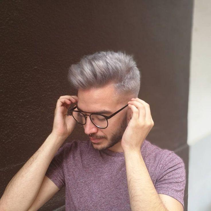 Pelazo! #colorfantasia en Castellón. Cómo nos gustan los colores! Grises! Violetas! Verdes y rosados! Cualquier color que imagines es posible! #ponyhair #fantasycolor @abel_mf #silverhair #greyhair #balayage #foilage #hair #hairdresser #hairartist #peluquería #Castellón #estetica #piel #tratamientofacial #tratamiento #antiarrugas #acidohialuronico #botox #vitaminac #skin #skincare #filler #fillers #skintreatment #ombre #mechas #mechascalifornianas #peloblanco #pelogris