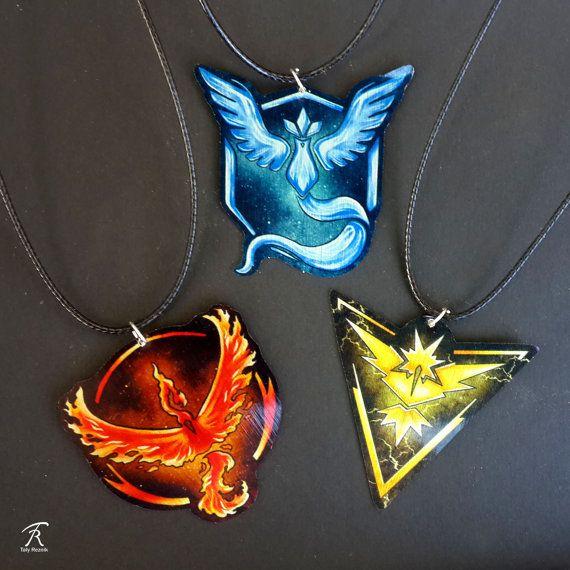 Pokemon aller équipe mystique Valor Instinct Artikodin Electhor Sulfura légendaire Cartoon Anime geek pendentif