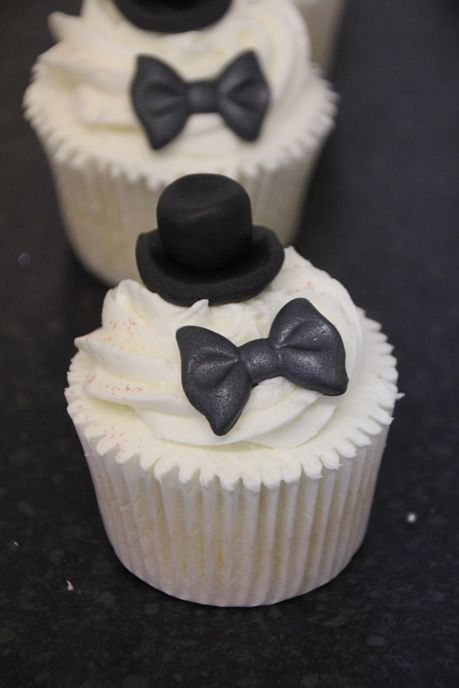 Gentleman's Cakes. How cute for the groom's table!