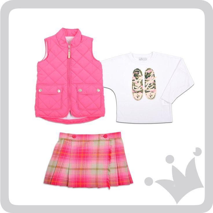 ¡#Lookepk del día! Camisa manga larga con estampado, acompañado de chaleco y falda en tartán. ¡Dale  #epkmegusta si quieres vestir a tu niña con alguna de estas prendas!