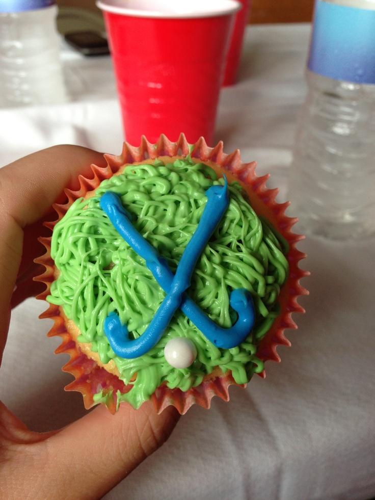 Field hockey cupcakes.!